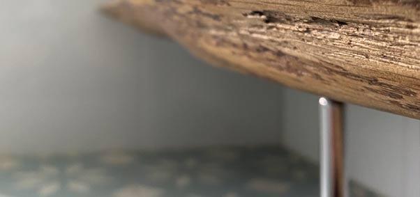 Detail van een badkamermeubel